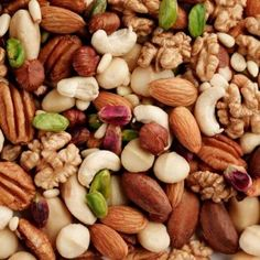 Australia's voice for the vital role tree nuts play in good health and nutrition. We inspire people to enjoy a healthy handful of nuts every day. Clean Eating Food List, Clean Eating Recipes, Healthy Recipes, Healthy Nutrition, Healthy Fats, Healthy Choices, Omad Diet, Ketogenic Diet, Wholesale Food