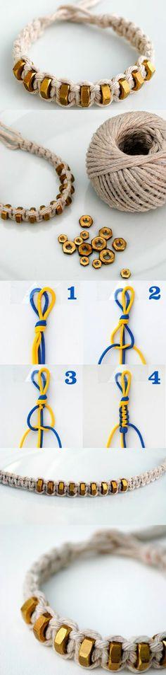 esempio di cose da creare in casa ideali anche come regalo, dei bracciali in corda con pepite dorate