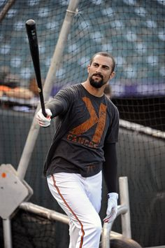 Nick Markakis takes batting practice during work out before Game 1 of the ALDS.