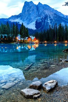 Emerald Lake in Yoho National Park. Places To Travel, Places To See, Travel Destinations, Yoho National Park, National Parks, Beautiful Places To Visit, Beautiful World, Peaceful Places, Emerald Lake