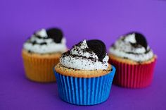 Oreo Cupcakes - simple cream cheese frosting with the garnish of the crushed Oreo and the half Oreo