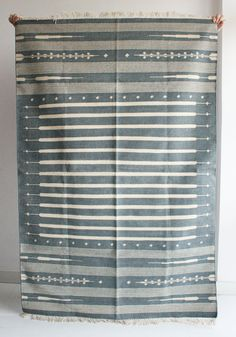 Handmade Rug in Blue Grey 4 x 6 Feet