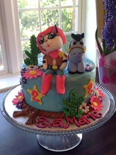 A Sheriff Callie Birthday Cake with a cowgirl fringe detail, sheriff badges and the three main characters from the show ' Sheriff Callie's wild west' on Disney Junior. Description from pinterest.com. I searched for this on bing.com/images