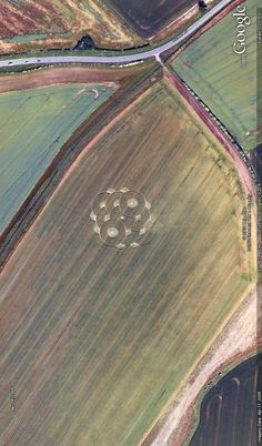 Crop circle near Burwell, UK. Image from Google Earth.
