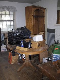 Military collector had a house full and storage units of Spanish American War to Vietnam War equipment. 3/29/16   800 houses 800 jobs   Pinterest ... & Military collector had a house full and storage units of Spanish ...
