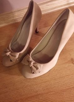 Kup mój przedmiot na #vintedpl http://www.vinted.pl/damskie-obuwie/na-wysokim-obcasie/12305030-buty-z-czerwonym-spodem