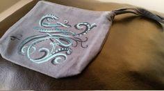 Pochette, Portamonete, Porta trucco in tessuto fatto e dipinto mano lavabile di MediterraneanArt su Etsy