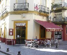 Esquinita de Arfe is a little tapas bar