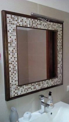 Diy espejo de mosaico para el cuarto de ba o blog and - Espejo de banos ...