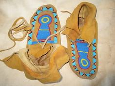 How to make traditional native american moccasins     Bead lessons not included