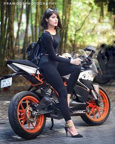 Fashion Ideas For Biker Girl Stylish Girls Photos, Stylish Girl Pic, Girl Photos, Girl Pictures, Biker Chick, Biker Girl, Bike Photoshoot, Motorbike Girl, Girl Bike