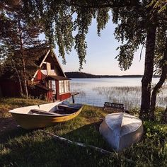 Summer in Sweden Sommer in Schweden - Creative Vans Voyage Suede, Sweden Travel, Jolie Photo, Countryside, Beautiful Places, Places To Visit, Around The Worlds, Cottage, Exterior