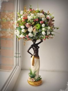 Unique Flower Arrangements, Artificial Floral Arrangements, Floral Centerpieces, Flower Vases, Vase Crafts, Decor Crafts, Handmade Crafts, Diy And Crafts, Mannequin Christmas Tree