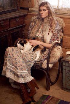 Winter Vogue ~ Wilderness Fashion cat ladies can be hot Bohemian Mode, Hippie Chic, Bohemian Style, Boho Chic, Bohemian Clothing, Russian Beauty, Russian Fashion, Russian Style, Folk Fashion