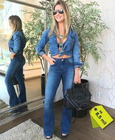 Tarde de compromissos 🙏💃🏼Com esse look lindo jeans 👖👕 por Brazilian Girls, Bell Bottom Pants, Flare Jeans, Chic, Style, Instagram, Fashion, Cozy Outfits, Shoes