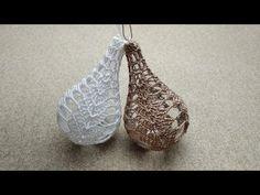 Christmas Bulbs, Christmas Crafts, Thread Crochet, Crochet Projects, Crochet Patterns, Holiday Decor, Holiday Ideas, Drop Earrings, Knitting