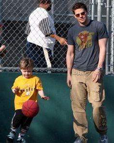 David and son - David Boreanaz Photo (55606) - Fanpop