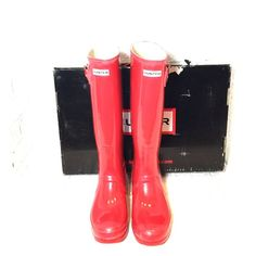 NWT Red Glossy Hunter Boots Red glossy Hunter Boots Reasonable offers welcome. Third picture has a hills bros coffee lid to show true color. Box is damaged. No bag. Hunter Boots Shoes Winter & Rain Boots