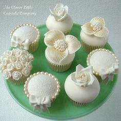wedding day cupcakes!! gorg