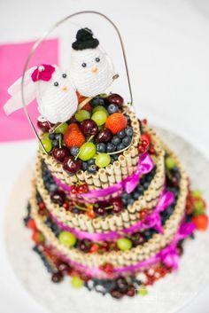 Súťaž: Moja handmade svadba! Birthday Cake, Desserts, Wedding, Food, Tailgate Desserts, Valentines Day Weddings, Deserts, Birthday Cakes, Essen