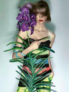 Karlie Kloss for Vogue Brazil November 2013 by Henrique Gendre