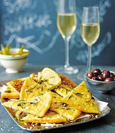Farinata-with-rosemary-and-olive-oil