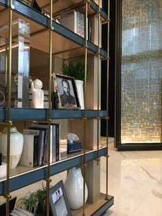 39 ideas for apartment ideas furniture bookshelves Shelving Design, Shelf Design, Wall Design, Joinery Details, Interior Architecture, Interior Design, Partition Design, Modern Room, Living Room Furniture