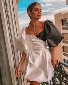 Elegant Dresses Classy, Classy Dress, Classy Outfits, Pretty Dresses, Beautiful Dresses, Vestidos Color Blanco, Andrea Conti, Event Dresses, Aesthetic Clothes