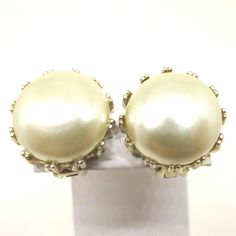 White Pearl Earrings - Vintage, Reja Signed, Gold Tone, 1940s Jewelry, Faux Pearl Clip-on Earrings by MyDellaWear on Etsy $24