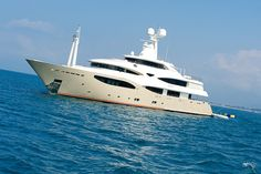 5 Items of Decadence for your Yacht Charter