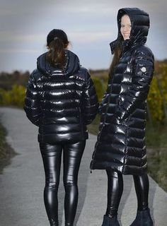 Photos for Steve Down - Leder - Wintermode Leather Leggings Outfit, Shiny Leggings, Leather Pants, Women's Puffer Coats, Down Winter Coats, Puffy Jacket, Rain Wear, Jacket Style, Moncler