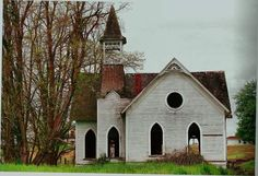 Abandoned church in Oregon Abandoned Churches, Old Churches, Church Pictures, City Farmhouse, Old Country Churches, Take Me To Church, Church Building, Chapelle, Place Of Worship