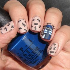 I don't think I'd be able to do the TARDIS details, so I'd rather the accent nail be a solid TARDIS blue.