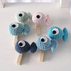 El Gallo Bermejo: amigurumi pattern free of a fish Crochet Fish, Love Crochet, Crochet Gifts, Crochet For Kids, Crochet Animals, Crochet Yarn, Crochet Amigurumi, Amigurumi Patterns, Crochet Dolls