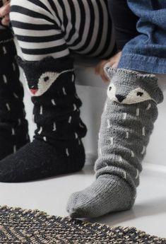 Knitting socks fox New ideas Knitting For Kids, Knitting Socks, Knitting Projects, Baby Knitting, Crochet Projects, Lace Patterns, Knitting Patterns, Fox Socks, Woolen Socks