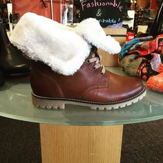 When you think that all the shoes have arrived but then these fuzzy water-proof leather booties arrive from @rieker_group and I'm just like  #shoes #boots #surprise #warm #fuzzy #waterproof #shopping #fashion #fall #winter #simonsshoes #instashoes