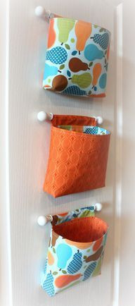 Hanging organizer buckets ~ What a great idea! Use white cup hooks to hold up the dowel rods holding the fabric baskets. Fabric Crafts, Sewing Crafts, Sewing Projects, Craft Projects, Sewing Hacks, Sewing Tutorials, Sewing Patterns, Bag Tutorials, Purse Patterns