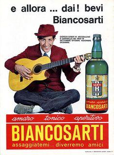Giorgio Gaber testimonial del Biancosarti è un liquore dolce prodotto tramite distillazione di erbe, spezie e fiori, con un sapore caratterizzato dalla forte presenza di cortecce e radici