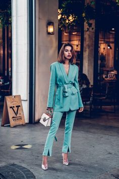 New fashion week street style 2018 summer Ideas Fashion Blogger Style, Look Fashion, New Fashion, Trendy Fashion, Womens Fashion, Ladies Fashion, Suit Fashion, Spring Fashion, Tailored Fashion
