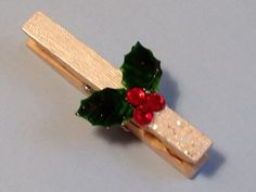 Christmas Holly Decorative Clothes Pins Christmas by StuffDepot