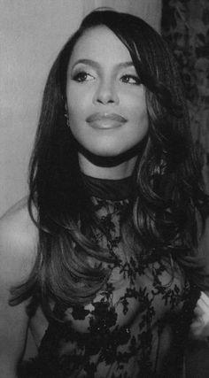 Aaliyah looks so beautiful Rip Aaliyah, Aaliyah Style, Christina Aguilera, Beautiful Black Women, Beautiful People, Perfect People, Beautiful Ladies, Jennifer Lopez, Jennifer Garner