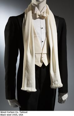 Modeconnect.com - Exhibition: Elegance in an Age of Crisis – Fashions of the 1930s at FIT Museum