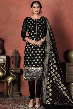 Sway away everyone with your simplicity as you wear this black banarasi silk trouser suit which will make you absolutely astoundingly gorgeous and that wil be least interesting thing about you. Trouser pant is plain. Dupatta adorned with woven zari work. #trousersuit #salwarkameez #malaysia #Indianwear #Indiandresses #andaazfashion Designer Suits Online, Designer Salwar Suits, Pakistani Salwar Kameez, Churidar Suits, Kurti, Différents Styles, Pantalon Cigarette, Silk Suit, Kareena Kapoor