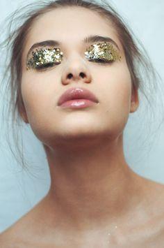 HOPE ST magazine : All That Glitters  Photography: Anette Schive Hair & Make-up: Sølvi Strifeldt Model: Rebekka Samira / Heartbreak  http://hopestreetmag.com/editorials/glitters/
