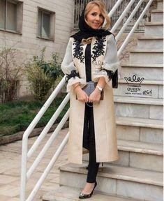 Street Hijab Fashion, Workwear Fashion, Abaya Fashion, Muslim Fashion, Fashion Dresses, Mode Abaya, Mode Hijab, African Fashion Traditional, Beautiful Pakistani Dresses