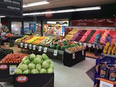 Produce Displays, Retail Displays, Fruit Displays, Grape Vineyard, Supermarket Design, Go Bananas, Fruit Shop, Food Stands, Candy Store