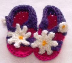 Crocheted Baby Sandals por KraftyKiwis en Etsy