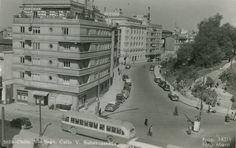 Merced con Calle Victoria Subercaseaux, frente al Cerro Santa Lucía, en la década de los '50s. Archivo CENFOTO, UDP.