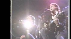 Patrick Swayze Sings 'Love Hurts' With Larry Gatlin At 1990 Roy Orbison Tribute Concert Patrick Swayze, Music Guitar, Music Songs, Merle Haggard Sons, Country Music Videos, Country Songs, Forever Book, Roy Orbison, Old School Music