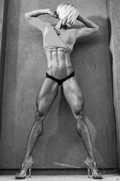 Female Form #StrongIsBeautiful #Motivation #WomenLift2 Jessie Hilgenberg